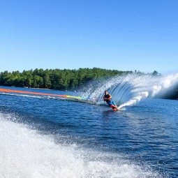 Justin Philpot waterskiing